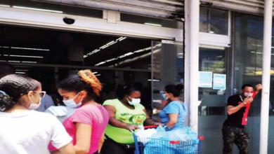 Photo of Suben precios de alimentos y bajan filas en supermercados