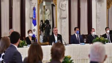 Photo of Abinader dice que el gobierno de Danilo no dejó dinero para pagar «Fase» y «Pa' Ti».